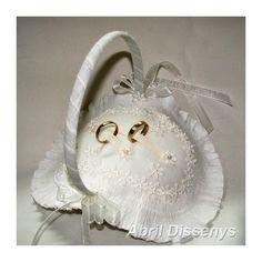 Cesta para los Anillos Colección Guipur y Papel. Complemento de Boda muy sencillo y clásico para llevar los anillos