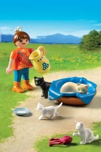 5126 Girl with Cats and Kittens