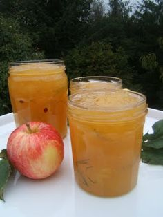 Confiture de pommes au romarin et miel - (French) - Apple Jam with Rosemary and Honey