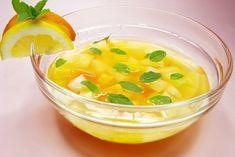 Die wohl beliebteste Bowle der Welt ist die Bowle mit den exotischen Früchten: Ananasbowle.
