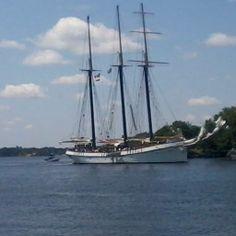 Empire Sandy Sails In to Port Brockville