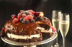 These cake recipes are flavorful, beautiful and simple to make. Includes favorite cake recipes such as Quick Rhubarb Cake, Cannoli Cake, and Lemon Curd Cake, plus stunning layer cake recipes like Smores Layer Cake and Chocolate Easter Cake. Layer Cake Recipes, Dessert Recipes, Dessert Ideas, Yummy Recipes, Chocolate Easter Cake, Delicious Desserts, Yummy Food, Austrian Recipes, Sweets