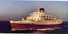 The Union-Castle Line's Windsor Castle of 1960 was at 783 feet long the largest ship ever built for the company. Arundel Castle, Best Cruise Ships, Stirling Castle, Ocean Cruise, Merchant Navy, History Online, Port Elizabeth, Windsor Castle, Tall Ships