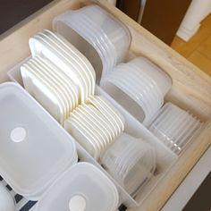 タッパー・保存容器の収納方法。おすすめの収納グッズをブログでレポート【100均・無印良品】