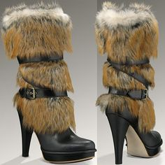 Yes, we know that many of you say you wouldn't be caught dead wearing a pair of UGG boots. But what if you received a pair of UGG boots for free? Wedge Boots, High Heel Boots, Heeled Boots, Bootie Boots, Shoe Boots, Sheepskin Boots, Shearling Boots, Sexy High Heels, Types Of Shoes