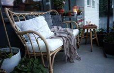 #mastholmen • Instagram photos and videos Outdoor Living Patios, Outdoor Chairs, Outdoor Furniture, Small Space Interior Design, Interior Design Living Room, Terrace Decor, Deco Studio, Ikea, Small Patio