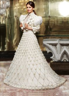 Always wondered what a Manish Malhotra lehenga costs? Check out amazing cocktail and bridal Manish Malhotra Lehenga Prices in this post. Indian Fashion Dresses, Indian Gowns Dresses, Indian Bridal Fashion, Indian Wedding Outfits, Indian Designer Outfits, Bridal Outfits, Bridal Dresses, Indian Designers, Floral Dresses