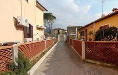 Vendita viareggina con resede a San Giuliano Terme, zona Orzignano. Per info e appuntamenti Diego 050/771080 - 348/3259137