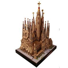20 Beautiful Highly Detailed Papercraft Models Paper model of La Sagrada Familia cathedral, Barcelona, Spain, by paper artist T. Paper Architecture, Famous Architecture, 3d Paper, Paper Toys, Image Beautiful, Papier Diy, Model Building Kits, Paper Houses, 3d Prints