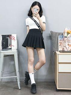 마리쉬♥패션 트렌드북! Korean Street Fashion, Korea Fashion, Asian Fashion, Daily Fashion, Retro Fashion, Girl Fashion, Kpop Fashion Outfits, Ulzzang Fashion, Korean Outfits