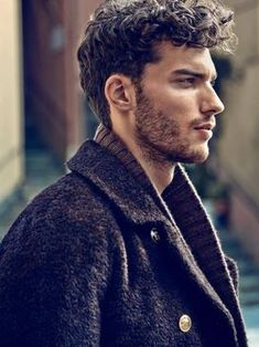 Sexy men with curly hair Handsome Men Quotes, Handsome Arab Men, Male Haircuts Curly, Haircuts For Men, Modern Haircuts, Short Haircuts, Curly Hair Men, Curly Hair Styles, Men Facial Hair