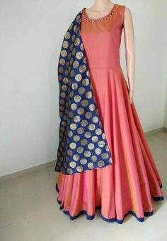 Evening Gowns Indo Western Designer Long Party Wear Dresses New Latest Bollywood Indian Bridal Outfits, Indian Party Wear, Indian Designer Outfits, Designer Dresses, Wedding Outfits, Designer Wear, Indian Wear, Designer Kurtis, Indian Attire
