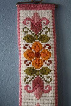 Vintage Needlework Norwegian Scandinavian BELL PULL Flower Wall Hanging