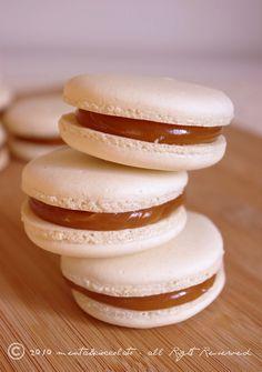 Menta e Cioccolato: La Prima Ricetta del 2011...Macarons...il ritorno!!