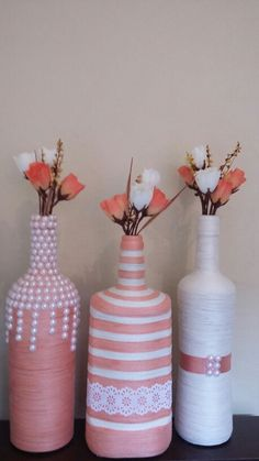 A Beautiful Set of three bottle vases. Empty Wine Bottles, Wine Bottle Corks, Glass Bottle Crafts, Painted Wine Bottles, Diy Bottle, Bottles And Jars, Bottle Lamps, Yarn Bottles, Decorated Bottles