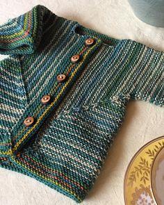 "255 Beğenme, 20 Yorum - Instagram'da Sarah Pope (@whistlinggirlknits): ""Elizabeth Zimmermann's Baby Surprise Jacket is still unsurpassable for knitting fun and charming…"""