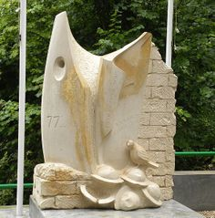 A Monument to the Lost Battalion in the Argonne Forest, France shows Cher Ami: | The Heartwarming Story Of Cher Ami, The Pigeon Who Saved 200 American Soldiers