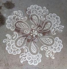 Kolam 20180107 Rangoli Designs Latest, Simple Rangoli Designs Images, Rangoli Designs Flower, Rangoli Border Designs, Rangoli Patterns, Border Embroidery Designs, Colorful Rangoli Designs, Rangoli Ideas, Rangoli Designs Diwali