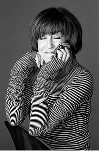 Nora Ephron - a brilliant, funny, incredible lady who left us today but her writing, films and hysterical one liners live on forever. Thank you Nora. Sleepless In Seattle, When Harry Met Sally, Nora Ephron, Sometimes I Wonder, Screenwriting, Role Models, In This World, Amazing Women, Beautiful People