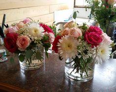 Florals by Flower Bar, #atlanta_flowerbar #atlantaflorist, #atlantawedding #weddingflowers Flower Bar, Cake Flowers, Atlanta Wedding, May 7th, Ants, Florals, Wedding Flowers, Glass Vase, Reception