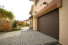 Bramy garażowe segmenowe, uchylne, rolowane, przesuwne, rozwierne, jedno oraz dwuskrzydłowe