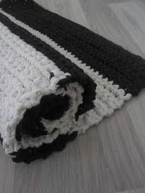 Thelma`s: Virkatut matot Merino Wool Blanket, Rugs, Crochet, Diy, Crochet Stitches, Crochet Carpet, Home, Crocheting, Farmhouse Rugs
