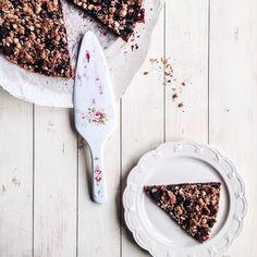 #wholewheat and #oats #crumble #cake w/ #berries #homemade by #4tastyseasons Berries, Tasty, Seasons, Homemade, Cake, Instagram Posts, Food, Pie Cake, Meal