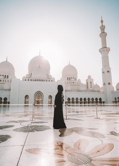 For our first stop in the Middle East, we explored the Sheikh Zayed Grand Mosque, Heritage Village, and Louvre Abu Dhabi to see the best of the new and old worlds that exist in this ancient and modern city. Mosque Architecture, Ancient Greek Architecture, Gothic Architecture, Abu Dhabi, Dubai, Unique Buildings, Grand Mosque, Modern City, Islamic Pictures