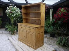 OLD ANTIQUE (VICTORIAN) TWO PIECE PINE SIDEBOARD/DRESSER/CUPBOARD/PLATE RACK in…