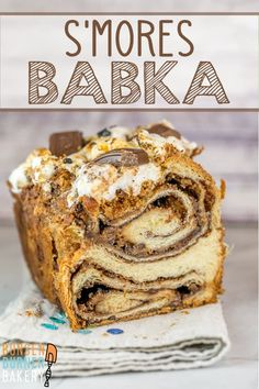 Babka S'mores Babka: Think chocolate babka is the best babka? Think again -- with this s'mores babka! Add graham crackers and gooey toasted marshmallows for an extra special treat!S'mores Babka: Think chocolate babka is the best babka? Think again -- wi Jewish Recipes, Gourmet Recipes, Baking Recipes, Bread Recipes, Great Desserts, Delicious Desserts, Dessert Recipes, Povitica Recipe, Babka Bread