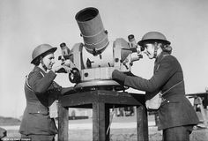A pair of ATS spotters using a Kine-Theodolite - an instrument