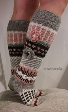 Second Design: Anelmaiset Knitted Boot Cuffs, Knit Boots, Knitted Slippers, Wool Socks, Crochet Socks, Crochet Gifts, Knitting Socks, Knit Crochet, Knitting Patterns