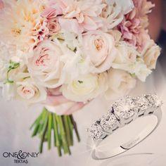 En özel anların şahidi One beştaş.. #love #wedding #bride #diamond #picoftheday #instagood #instamood #solitaire #beştaş #yüzük #evlilik #marriage #flower #çiçek #pırlanta #tektaş #mücevher