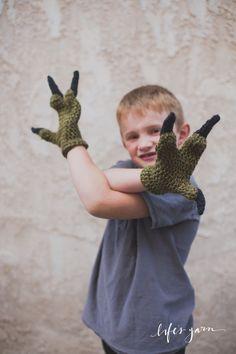 Crochet pattern Dinosaur Raptor Inspired 3 finger gloves. Jurassic Park inspired. Instant digital download CP407JGC