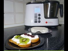 Receta de Queso Fresco Monsieur Cuisine Plus Lidl Silvercrest - YouTube Lidl, Sally Miller, Queso Fresco, Cooker, Kitchen, Youtube, Silver, Sweets, Deserts