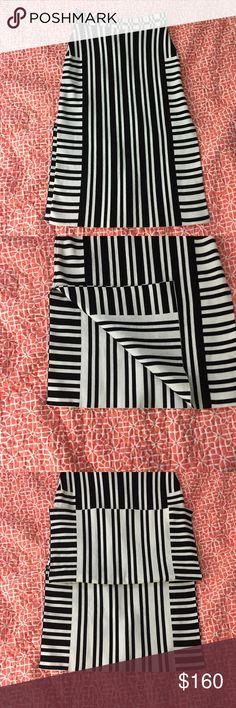 Tanya Taylor Camilla Stretch Jacquard Knit Skirt Tanya Taylor Camilla Stretch Jacquard Knit Skirt originally $495 Preowned, small make up spot by label tanya taylor Skirts