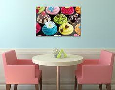 Glasbild Liebevoll verzierte Cupcakes