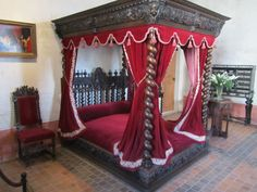 Amboise (Loire Valley), France – Chateau du Clos Luce, home of Leonardo de Vinci, built in 1471, Leonardo moved in 1516.  Bedroom where Leonardo spend the last 3 years of his life, where he wrote his will.  He died on May 2 ,1519 at the age of 67.