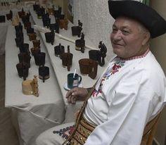 Ľubomír Šida vyrezal a vyúdil stovky črpákov a hospodársku krízu vraj nepociťuje.