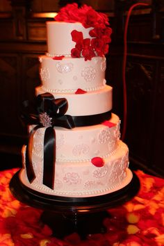 Lace and Red Roses.  So Classy!