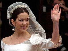 Mary's long veil sparked a wedding trend which saw copy-cat brides everywhere sporting similar styles.