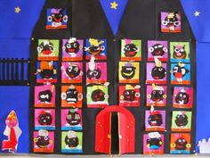 Nodig voor de pietjes: -vierkante vouwblaadjes -ronde zwarte/bruine vouwblaadjes -gekleurd papier/crêpepapier -schaar -lijm Plak he...