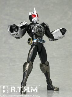 Bandai S.H.Figure Kamen Rider OOO SAGOZO combo $65  Free shipping from China to  most country