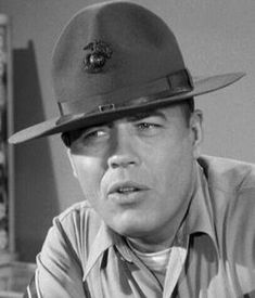 Frank Spencer Sutton - an American actor best remembered for his role as Gunnery Sergeant Vince Carter on the CBS television series Gomer Pyle. He died on June 1974 of a heart attack at the age of 50 Hollywood Icons, Hollywood Stars, Classic Hollywood, Old Hollywood, Famous Men, Famous Faces, Frank Sutton, Frank Spencer, Celebrity Deaths