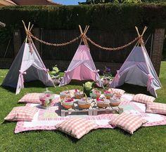 Fun Idea for a girls party or sleepover! Sleepover Birthday Parties, Picnic Birthday, Birthday Ideas, Diy Birthday, 10th Birthday, Camping Parties, Outdoor Parties, Backyard Parties, Picnic Parties