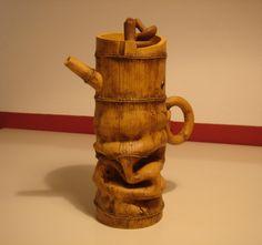 crushed bamboo: teapot art by Lu Wen Xia and Lu Jian Xing