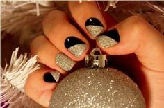 Festive nails that transition easily from Christmas to New Year's Eve!