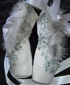 These decorated pointe shoes inspired me with beading ideas and the type of feather I should use in my corset (wispy and soft pieces). Finally, to connect to the ballet side of the movie I have decided to use the same type of ribbon used in ballet shoes laced down the back of my corset.