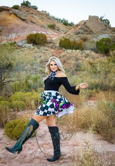 Wellies Boots, Knee Boots, Short Skirts, Mini Skirts, Curvy Fashion, Womens Fashion, Racehorse, Horse Girl, Nice Legs