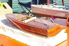 Classic Runaboat from the 60's . RC model.